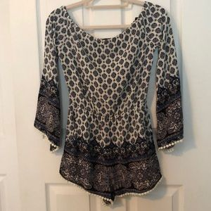 Forever 21  Adorable Romper Size Small